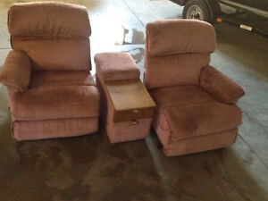 Lazy Boy Full Reclining Love Seat with Center Console Kitchener / Waterloo Kitchener Area image 1