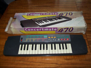 Concertmate 470 Music Keyboard Works & Tested No Power Cable