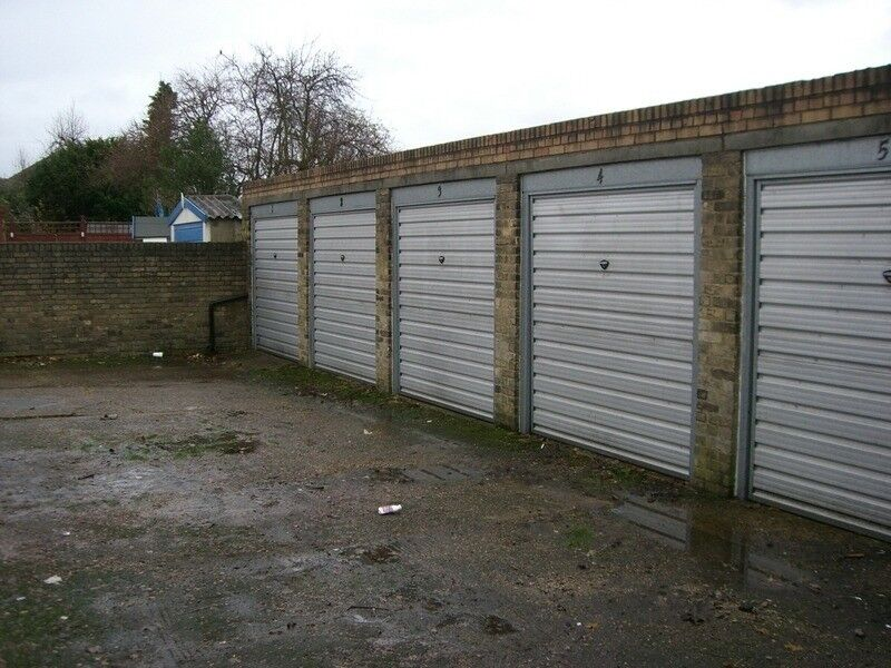 Two lock up garages to rent £120 each Streatham/ West Norwood, available individually