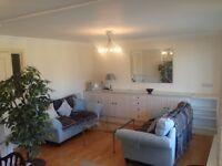 Superbly presented two bedroom property in Stockbridge