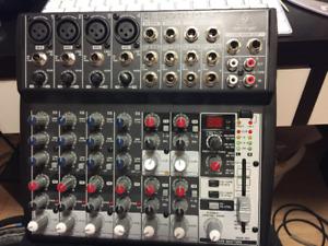 Behringer XENYX 1202FX Table de mixage
