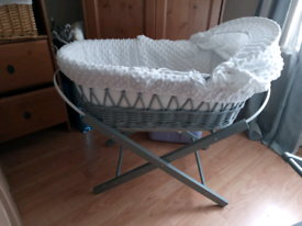 Moses basket white and grey
