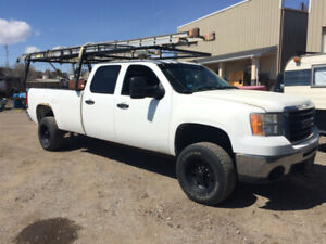 2007 GMC Seirra 3500 With Roof Rack, Ladders & Tool Box
