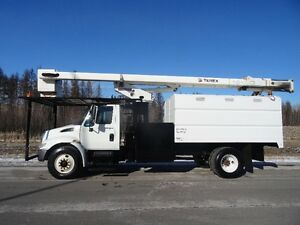 2009 Forestry Bucket Truck with Dump Box & Centre Boom Lift