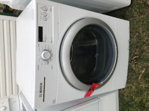 BOSCH DRYER, SAMSUNG WASHER, FRIGIDAIRE STOVE - FOR SALE 4yr old