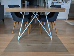 Modern Walnut Table /  Excellent Condition