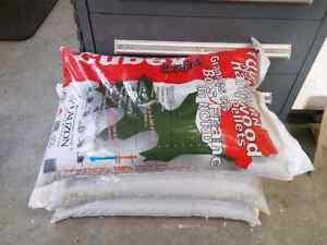 3 bags of Cubex wood pellet