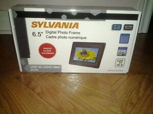 new sylvania digital picture frame