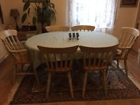 Extendable Pine dining table with six chairs