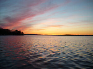 Rice Lake cottage 3 bdrm spectacular view magnificent sunset