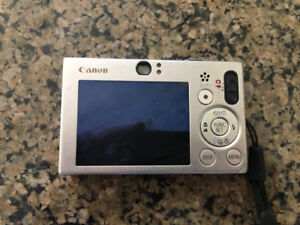 Canon Powershot SD1000 Camera (With Extra Battery,Silver, Works)