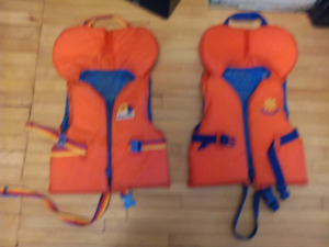 2 Buoy o boy PFDs (personal floatation device)
