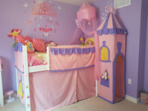 @@ MOVING SALE @@  BEAUTIFUL PRINCESS BEDROOM