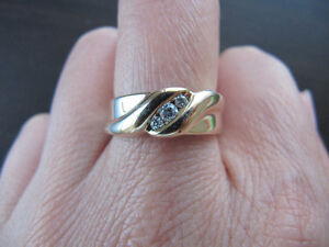 A brand new solid 10k gold ring