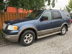 Ford Expedition 2004 4X4 V8 5.4  7 Passagers Sieges Cuir TV/DVD