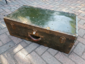 Antique trunk/large suit case with leather handle $60
