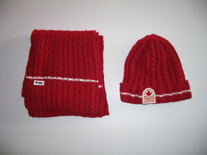 """"""""""" P A J A R """""""" - - - SET - - HAT and SCARF - - NEW"""