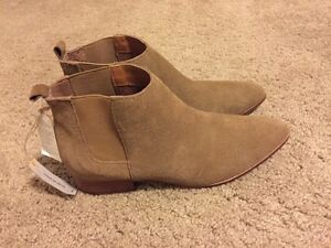 GAP Suede Ankle Boots. Size 9. New with tags