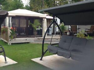 =VENDU= roulotte stationnaire, Camping Les Berges du Lac Aylmerq