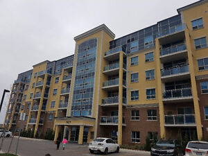 Spacious, Open Concept, Lots of light, 2 bed/2 bath/2 parking