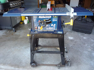 """Mastercraft 10 """" Table saw with stand and extra blade  excellent"""