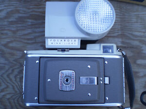vintage POLAROID 80A LAND CAMERA vintage $100. Prince George British Columbia image 5