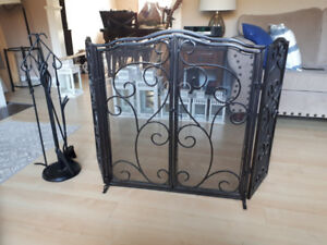 Fireplace screen and set