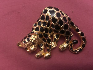 Park lane cheetah cat brooch pin jewellery