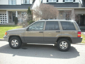 1995 Jeep Grand Cherokee Laredo SUV, Crossover