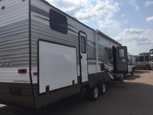 2015 Shasta Revere 33 foot bunk house  for sale or summer rental