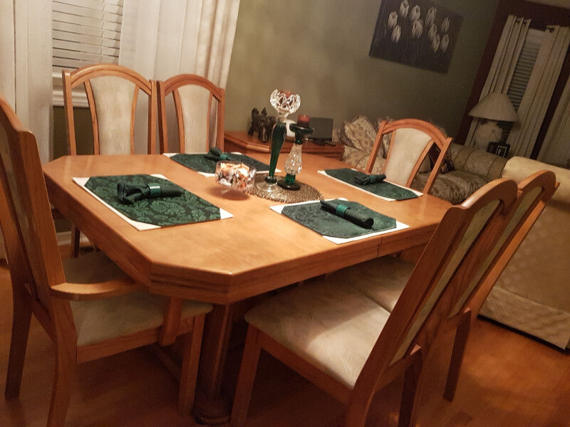 Solid Oak Dining Room Table With Six Chairs And Matching Hutch