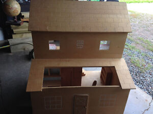 Well built large doll house