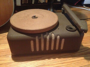 Vintage 1940's record player minty Eatons Viking
