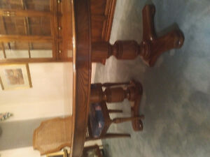 Dining table and 6 chairs Kitchener / Waterloo Kitchener Area image 2