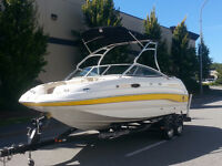 2005 Chaparral 216 Deck Boat in Excellent Shape.