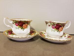 Royal Albert Old Country Roses Teacup&Saucer 2 Sets 1960 Vintage