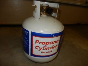 Almost brand new 20 lb propane tank, used once