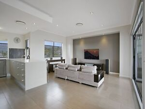 EXECUTIVE TOWNHOUSE WITH VIEWS! Morningside Brisbane South East Preview