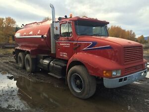 International 8200 Water Truck