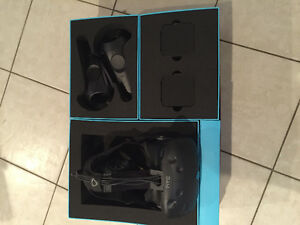 HTC VIVE BRAND NEW IN THE BOX NEVER OPEN