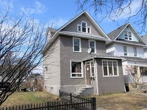 ***233 SYNDICATE AVENUE NORTH *** NEW LISTING!!!***