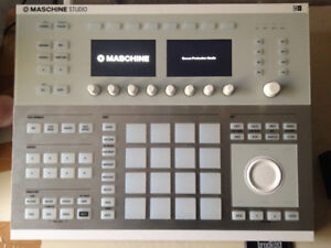Maschine Studio (White) - Native Instruments - Perfect Condition