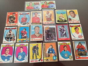1000 + NHL, MLB, CFL  early 1970's sports cards
