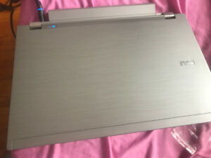 """Nice deal! 13"""" dell i5 2.67ghz/8gb ram/1tb hdd / win10 for 280$"""