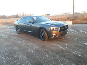 2013 Dodge Charger SXT fully loaded Financing is available