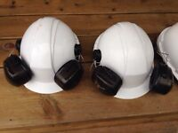 6 Casques blancs de construction