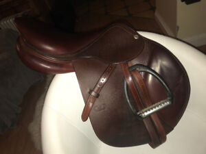 REDUCED PRICE- 17.5 seat 2015 CWD jumping saddle- PERFECT CONDIT