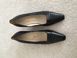 Authentic like new black leather Chanel heels 38 $500 hermes