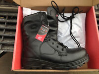 ONE BRAND NEW PAIR OF DYNAMIC WORK BOOTS