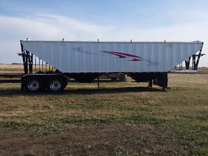 New Bergs 38'  and 36'  Tandem Grain Trailers In Stock